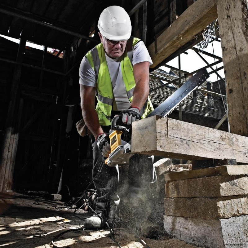 DeWALT  DWE397 Alligator pía na stavebný materiál